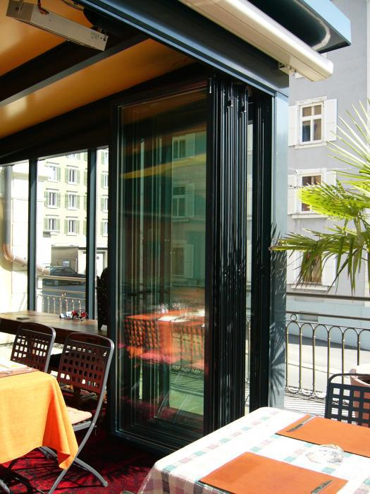 parois-pliantes-vitrees-isolees-is-4000-ssg-5_realiz.jpg